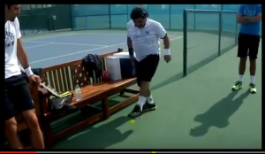 Video - Maradona - palleggi con pallina da tennis